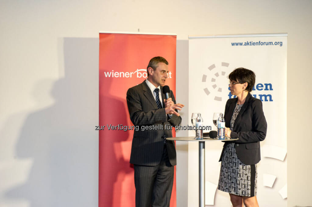 Heinrich Schaller, Beatrix Exinger, mehr Bilder vom 27. FCC unter http://www.wienerborse.at/service/events/financial-community-club-16042013.html, © FCC (18.04.2013)