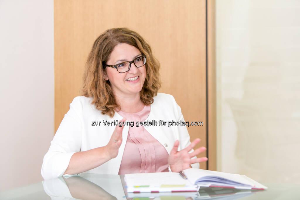 Gudrun Meierschitz, Prisma Kreditprüfungsexpertin : In Serbien regiert auch heuer Optimismus : Der Südosteuropa-Wirtschaftsindex das zweite Jahr in Folge positiv : Fotocredit: Prisma/Martina Draper, © Aussender (28.06.2016)