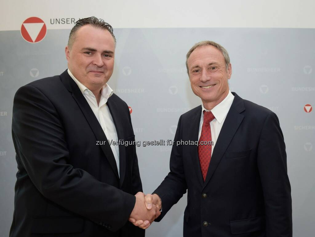 Bundesminister Hans Peter Doskozil verabschiedet Anton Schutti (Sporthilfe) am 27 06 2016 im BMLVS (C) Sportministerium, © Aussendung (29.06.2016)