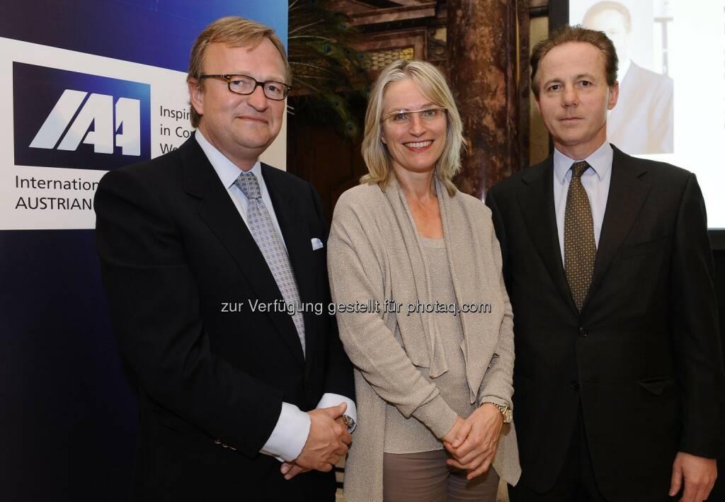 Oliver Voigt, IAA Präsidentin Martina Hörmer, Georg Kapsch beim IAA Business Communication Lunch, Foto: ORF/Thomas Jantzen (19.04.2013)