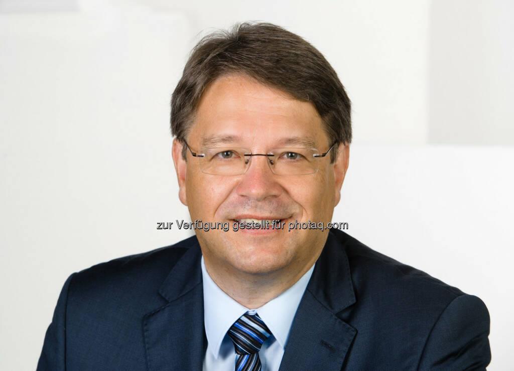 Arnold Baca (ECSS Kongresspräsident) : Österreichs Sportwissenschaft top : Individuelle Fitness-Apps und neue Technologie zur Bewegungsanalyse - im Rahmen des ECSS Kongresses vom 6. - 9. Juli im Austria Center Vienna : Fotocredit: (c) Arnold Baca/Foto Wilke (01.07.2016)