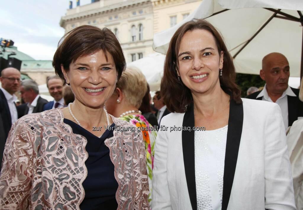 Michaela Keplinger-Mitterlehner (RLB OÖ), Sophie Karmasin (Familienministerin) , © RLB OÖ (01.07.2016)