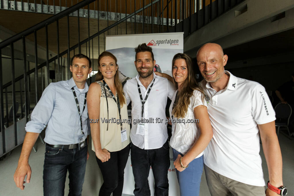 Andreas Burgstaller und Cornelia Schierl (Sportalpen Marketing, Gastgeber), Hannes Arch (Speaker), Nina Geiger (Sportalpen Marketing, Gastgeber), Jakob Schmidlechner (Speaker) : Zweiter Sports & Tourism Summit in der Panzerhalle Salzburg : Fotocredit: Sportalpen Marketing (05.07.2016)