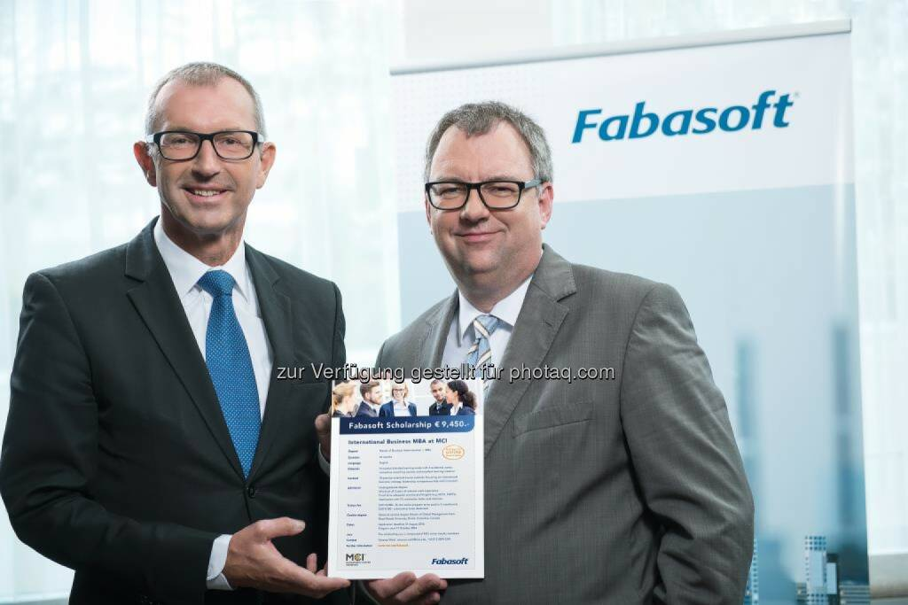 Andreas Altmann (MCI Rektor), Helmut Fallmann ( Fabasoft-Vorstandsmitglied) : Fabasoft vergibt hochdotiertes Stipendium für ein internationales MBA-Studium am Management Center Innsbruck : Fotocredit: Fabasoft, © Aussendung (06.07.2016)