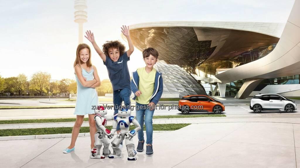BMW Welt München : Roboter-Workshop in der BMW Welt bringt Kindern das Programmieren bei : ©BMW Group, © Aussendung (14.07.2016)