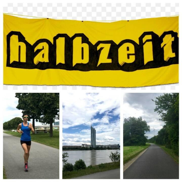 Halbzeit by Tanja Bauer