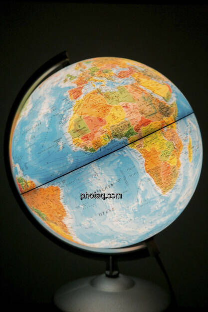 Globus, hoch, © Martina Draper (21.04.2013)