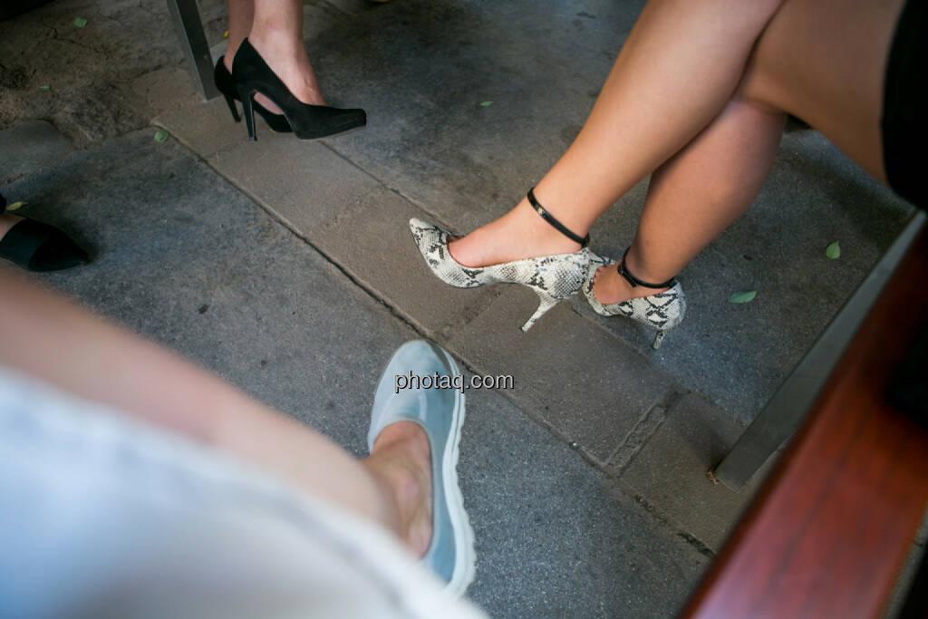Beine, Schuhe, © Martina Draper/photaq (19.07.2016)