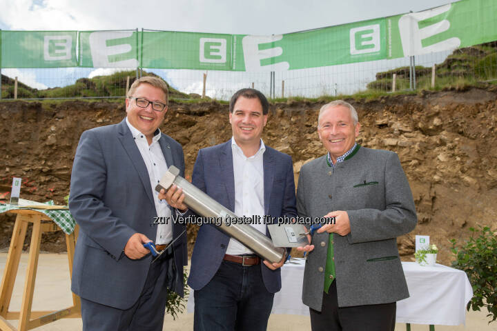 Martin Graf (Vorstandsdirektor), Michael Schickhofer (LH-Stv. Stmk.), Christian Purrer (Vorstandssprecher) : Energie Steiermark legt Grundstein für größten Windpark im Süden Österreichs : Fotocredit: Energie Steiermark/Edi Aldrian