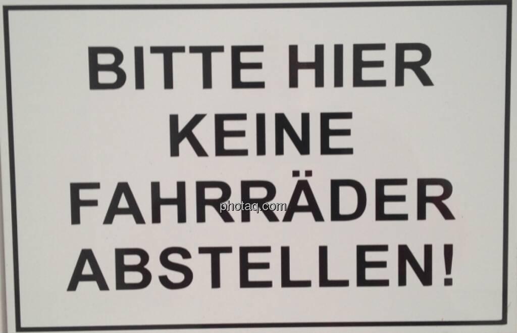 Bitte hier keine Fahrräder abstellen (22.04.2013)