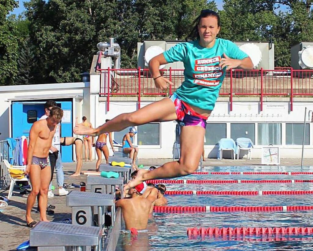 Yes Jump Tanja Stroschneider im Shirt von http://www.gruessen.net (23.07.2016)