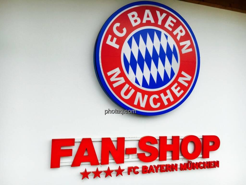 Fan-Shop, FC Bayern München, Fussball, © Josef Chladek/photaq.com (25.07.2016)