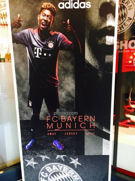 Fan-Shop, FC Bayern München, David Alaba, adidas, © Josef Chladek/photaq.com (25.07.2016)