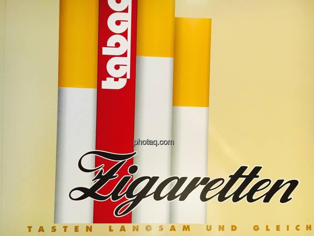 Zigaretten, Automat, © Josef Chladek/photaq.com (25.07.2016)