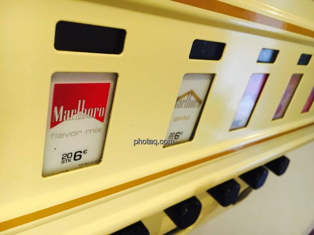 Zigaretten, Marlboro, Automat, © Josef Chladek/photaq.com (25.07.2016)