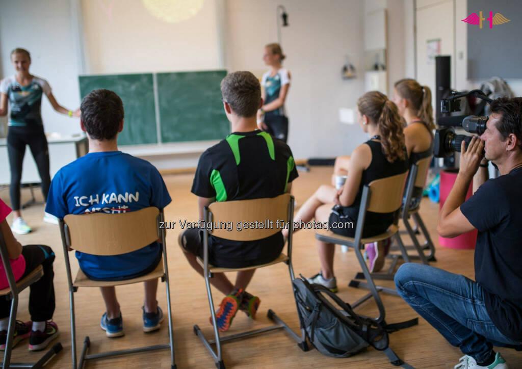 Hahnertwins, Unterricht, Schule, zuhören, aufmerksam, lernen, Seminar, Vortrag, &copy; <a href=