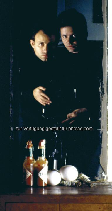 Clegg & Guttmann, Self Portrait with a still life, 1986 : MAK Art Salon #01 : Clegg & Guttmann. Biedermeier reanimiert : Fotocredit: Courtesy Georg Kargl Fine Arts, Vienna, and the artists