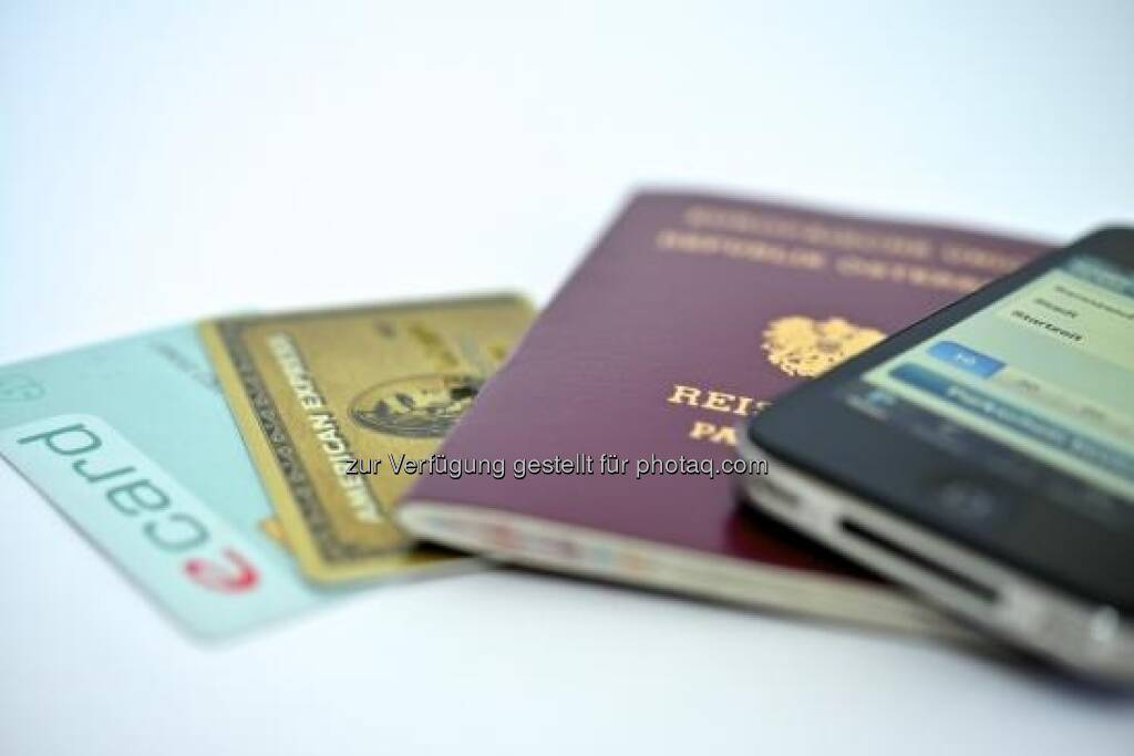 American Express schließt Kooperation mit Stadt Wien ab: Flächendeckende Akzeptanz bei Serviceeinrichtungen der Bundeshauptstadt (Bild: Kreditkarte, Reisepass) (c) Aussendung (23.04.2013)