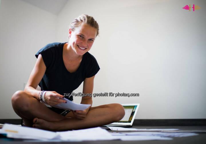 Anna Hahner, Buchhaltung