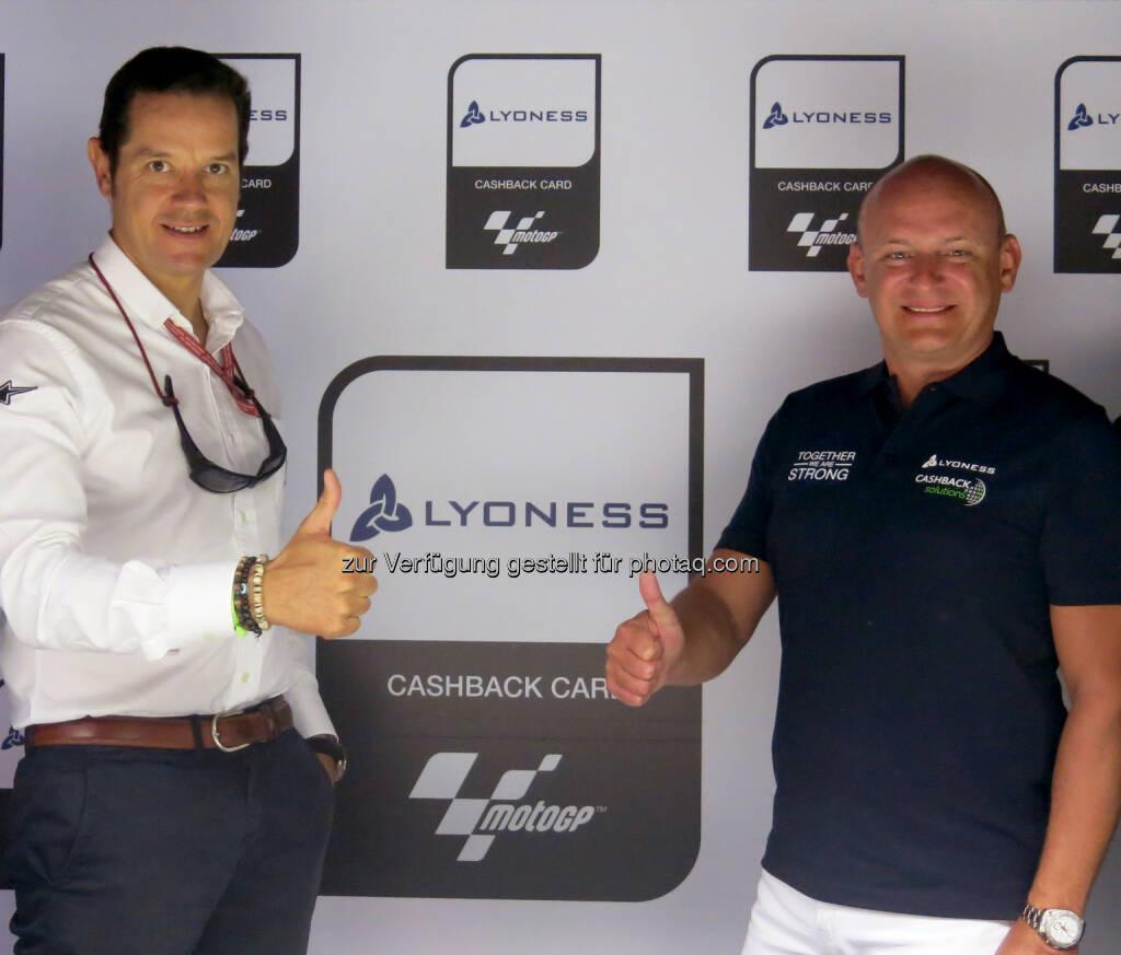 Pau Serracanta (Dorna Sports), Hubert Freidl (Lyoness) : Lyoness neuer Partner der MotoGP : Fotocredit: motogp.com, © Aussendung (01.08.2016)