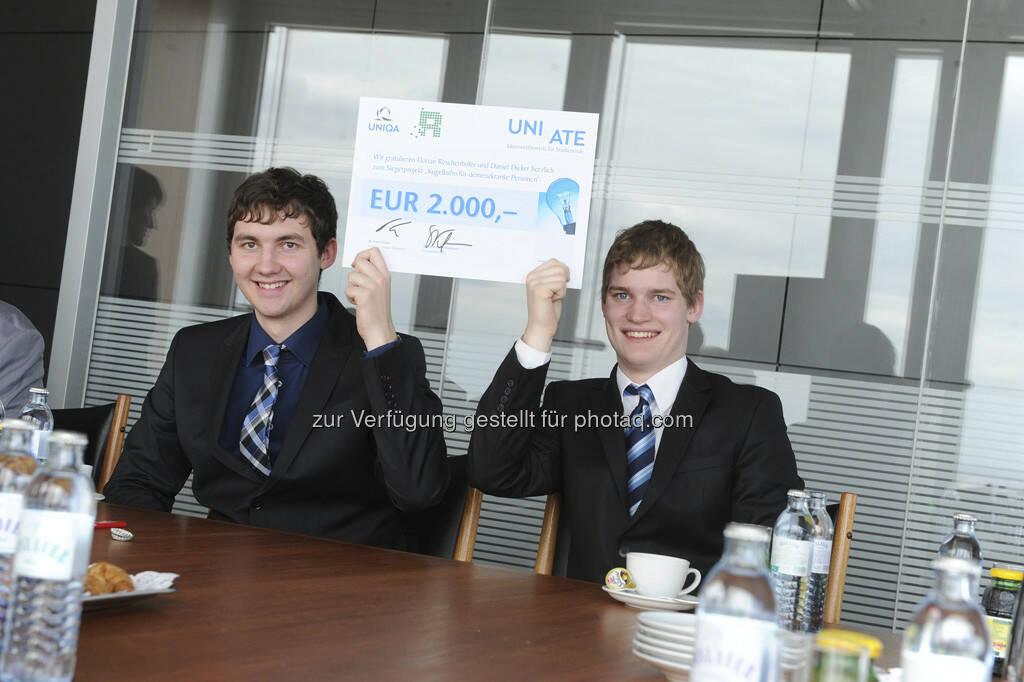 Sieger des Projekts Kugelbahn für demenzkranke Personen: Florian Reschenhofer und Daniel Dicker (beide HTL Braunau), © UNIQA Group / Communication  (23.04.2013)