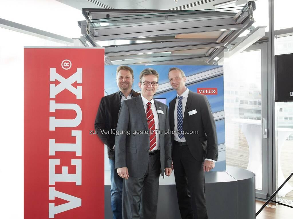 Reinhold Annewanter, Johannes Reiter, Peter Giczi : Velux Österreich - Ein starkes Vertriebsteam für das Modulare Oberlicht-System : Fotocredit: Velux/Thomas Preiss, © Aussendung (08.08.2016)