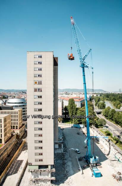 Altes Zollamt : Am künftigen Standort von TrIIIple : Abrissarbeiten des alten Zollamts liegen im Zeitplan: Fotocredit: Soravia Group GmbH/Hauswirth, © Aussendung (11.08.2016)