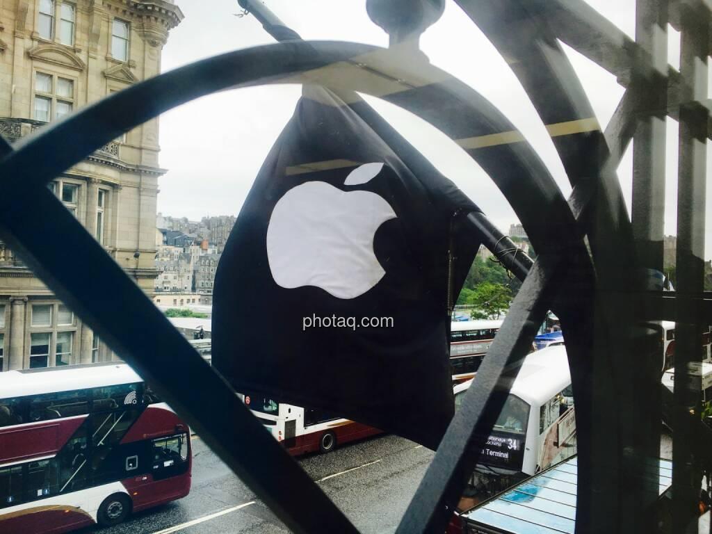 Apple Flagge, Gitter, © Josef Chladek/photaq.com (13.08.2016)