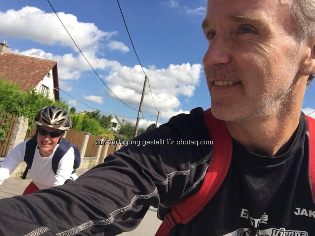 Martina Draper mit Helm, Christian Drastil (15.08.2016)