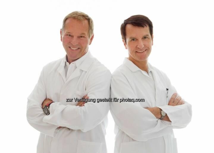 Johann Umschaden und Helmut Hoflehner (Schwarzl Klinik) : Mit der neuesten Generation der 3D Visualisierungen gewährt das Ärzteteam der Schwarzl Klinik Patienten einen Blick in die Zukunft : Fotocredit: Paul Dahan