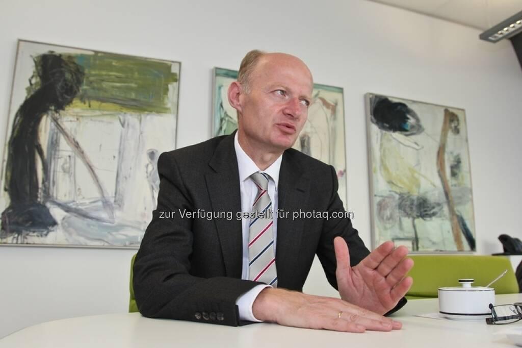 Oberbank-Generaldirektor Franz Gasselsberger zieht sich mit seinem Institut aus dem Market Making bei Lenzing und Rosenbauer zurück (Foto: Gilbert Novy, 2012) (24.04.2013)