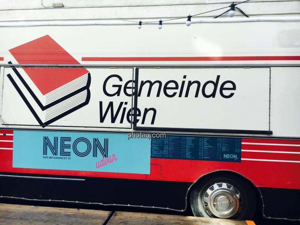 Gemeinde Wien, Neon, © Josef Chladek/photaq.com (25.08.2016)