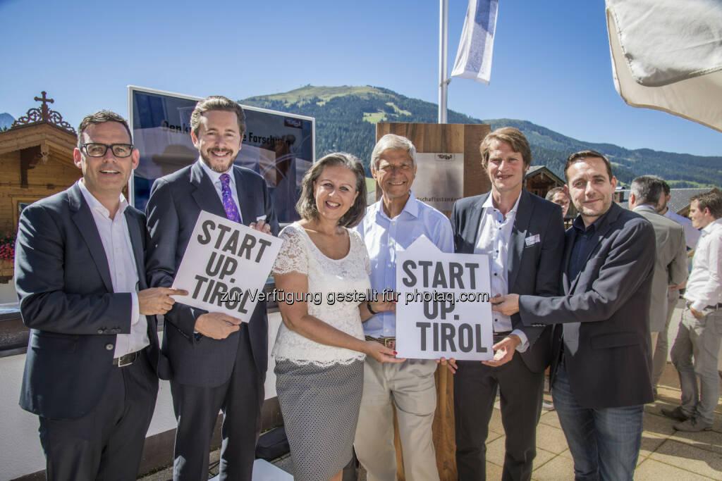 Harald Gohm (Standortagentur Tirol), Harald Mahrer (Staatssekretär), Patrizia Zoller-Frischauf (Landesrätin), Hermann Hauser (I.E.C.T. Hermann Hauser), Harald Oberrauch (Tyrolean Business Angel GmbH), Matthias Neeff (Werkstätte Wattens) : Start für Startup.Tirol : Fotocredit: Standortagentur Tirol/Kantschieder, © Aussendung (25.08.2016)