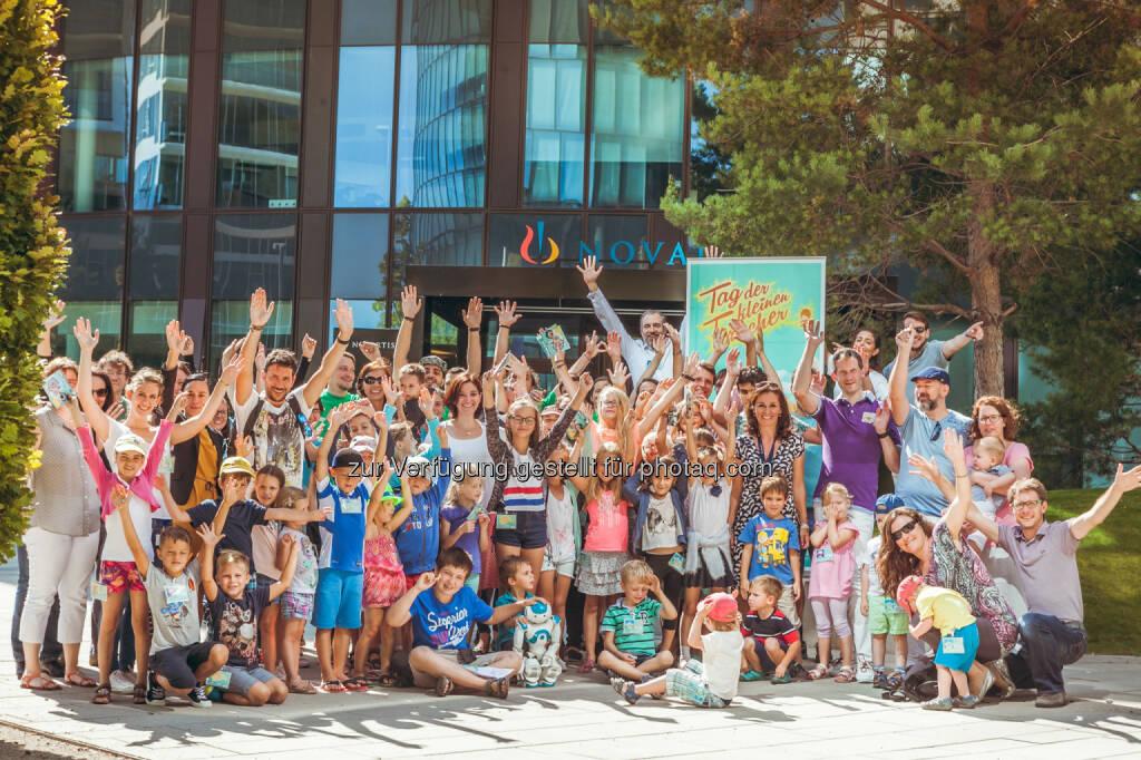 Tag der kleinen Forscher : Science Pool begeisterte Novartis Kinder für das Thema Mechatronik : Fotocredit: Novartis Pharma Gmbh/© Philipp Lipiarski / www.lipiarski.com, © Aussender (26.08.2016)