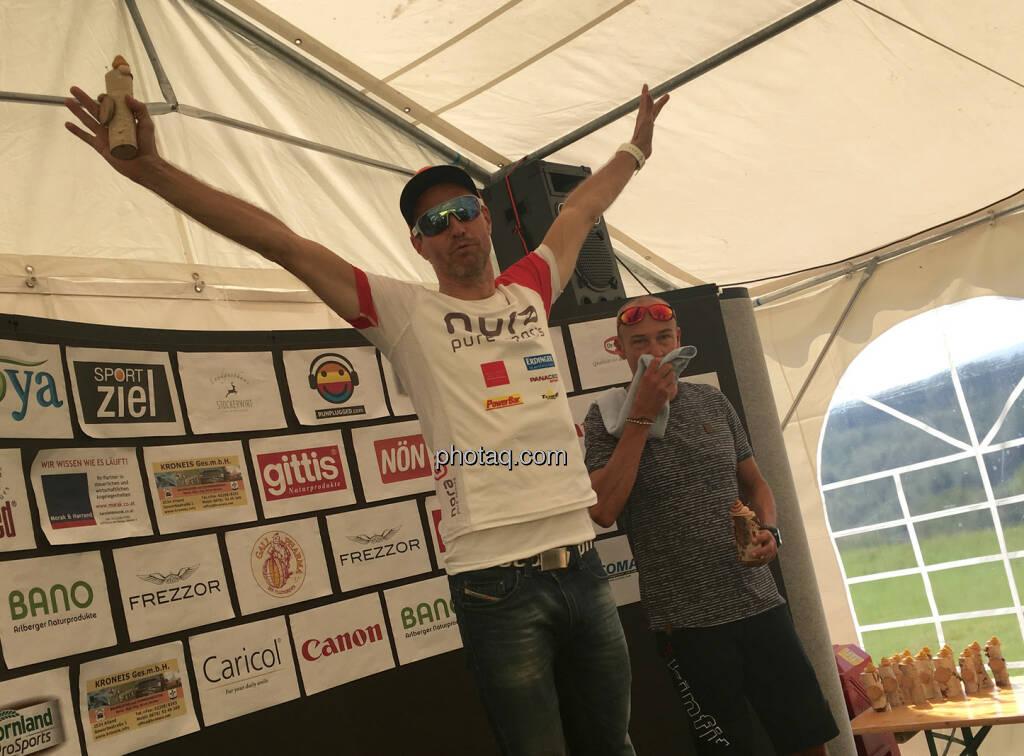 Rudi Seiberl mit Fun, hat auch den Funlauf gewonnen, © Handypics diverse. (28.08.2016)