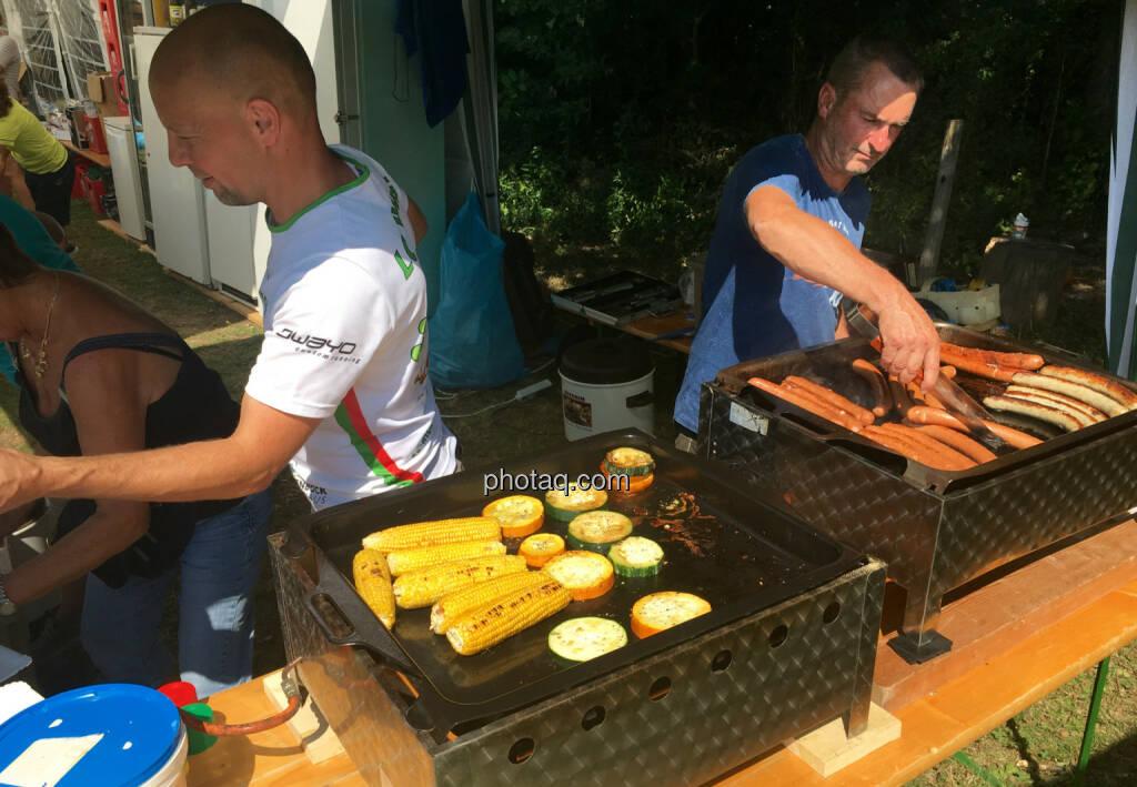 Würstel und Mais, © Handypics diverse. (28.08.2016)