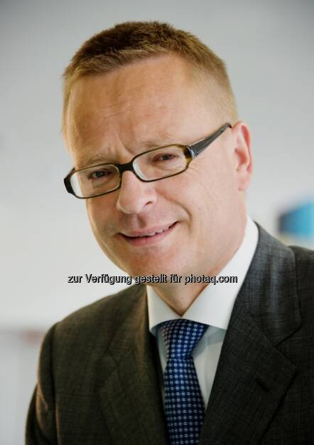 Richard Stralz, Ex-Vorstand Semperit (24. April) - finanzmarktfoto.at wünscht alles Gute! (24.04.2013)