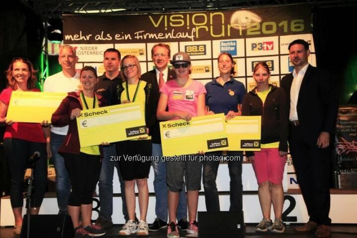Roland Hammerschmid (Antlas- ProjektMasala), Birgit Hochgerner (Tagesstätte St. Pölten), Franz Kaiblinger (Sport Vision Obmann), Angela Füller (Tagesstätte St. Pölten), Matthias Stadler (Bgm. St. Pölten), Veronika Aigner (NÖVSV), Dorothea Gansterer (e.motion), Friedrich Ofenauer (Abg. zum Nationalrat) : Das war der Vision Run 2016 :  Bei strahlendem Sonnenschein erliefen und erwalkten 1.623 Teilnehmer sensationelle € 16.730,- : Fotocredit: www.picture-it.at