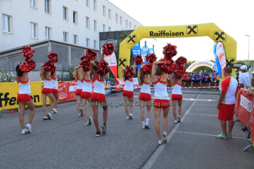 Vision Run, Raiffeisen, Cheerleader, © Vision Run, Foto Viertbauer (05.09.2016)
