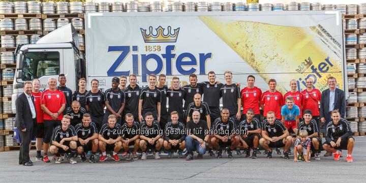 Fußballklub LASK Linz : Urtypisch oberösterreichische Partnerschaft : LASK besucht Brauerei Zipf : Fotocredit: Brau Union Österreich / Foto Humer