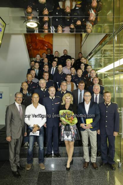 40. Sicherheitsverdienstpreis für Niederösterreich : Auszeichnung durch Raiffeisen NÖ-Wien und Niederösterreichische Versicherung für 22 Beamte und 18 Privatpersonen : RLB NÖ-Wien/Rudolph, © Aussendung (08.09.2016)