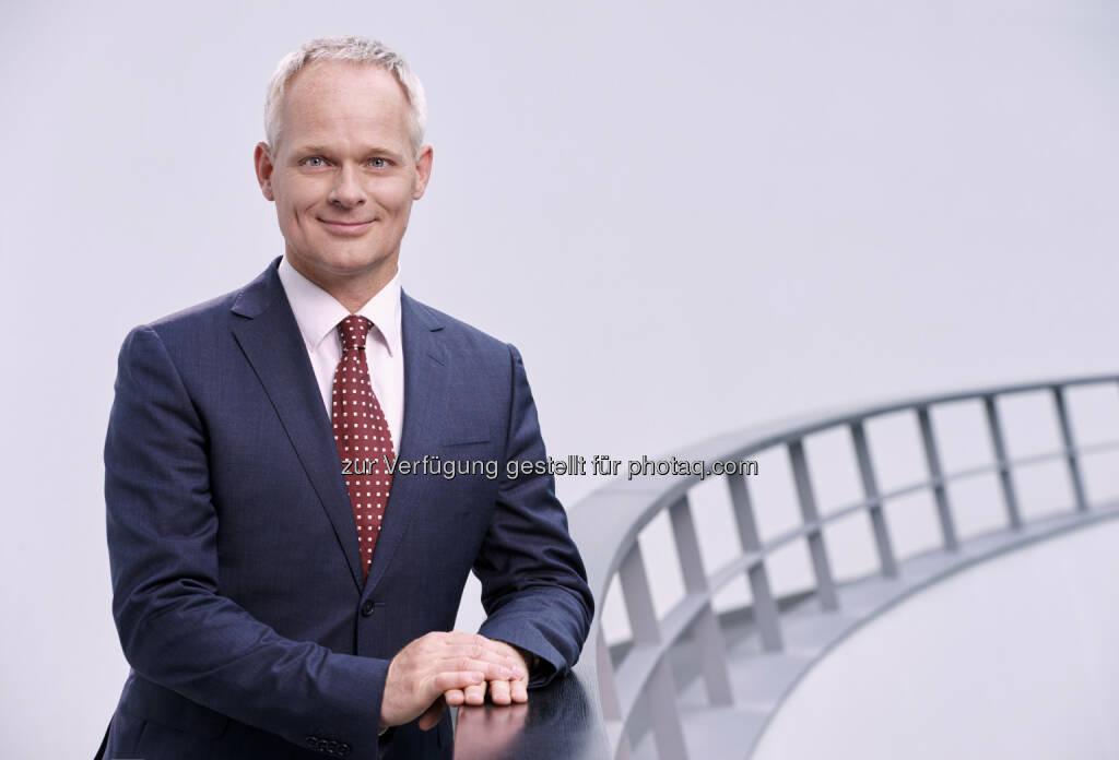 """Christoph Grote (BMW Group, Bereichsleiter Elektronik) : Auszeichnung für """"Connected Car 2016"""" : Automotive News Europe wählt Senior Vice President Electronics von BMW zum """"Eurostar 2016"""" : Fotocredit: BMW Group, © Aussendung (13.09.2016)"""