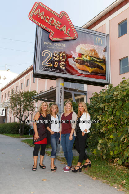 Sandra Veronese (DDB Tribal, Kundenberatung, Key Account Management), Bisi Andrejevic (OMD), Julia Pongratz (McDonald's, Junior Specialist Marketing), Hülya Cetin Dogan (Epamedia, Key Account Manager) : Burger zu jeder Tageszeit : McDonald's Österreich setzt auf kreative Sonderumsetzung bei Epamedia : Fotocredit: Epamedia/Schiffl, © Aussendung (19.09.2016)