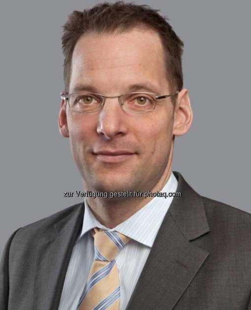 """Martin vom Hagen, Geschäftsführer ACMBernstein in München: """"Emerging Markets Anleihen sind derzeit die attraktivere Alternative. Professionelle Anleger in Deutschland sind zur Stabilisierung ihres Portfolios bei Anleihen aus den Schwellenländern gut aufgehoben, ohne dass sie übermäßig viel Sicherheit einbüßen müssen. (c) Aussendung (25.04.2013)"""