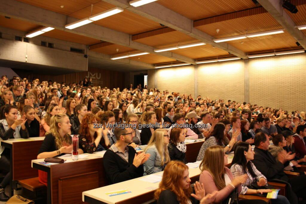 JKU Studieninfomesse : 4.000 SchülerInnen schnuppern Uni-Luft : Fotocredit: JKU, © Aussendung (21.09.2016)