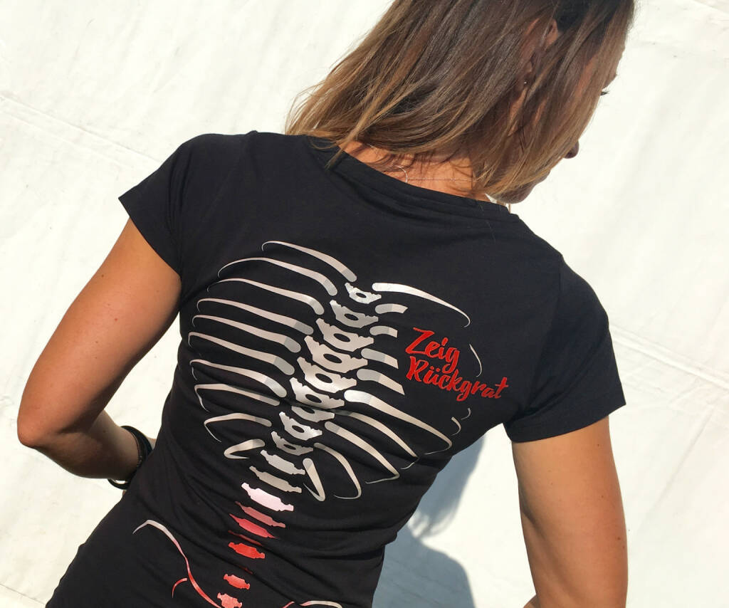Rücken Skelett hinten, © diverse photaq (27.09.2016)