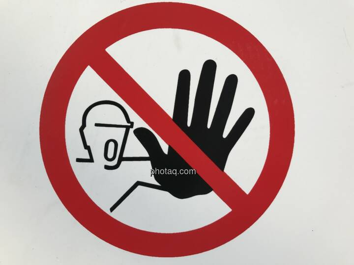 Stop, Achtung, Halt, Verbot, Vorsicht (Bild: Michael Plos)