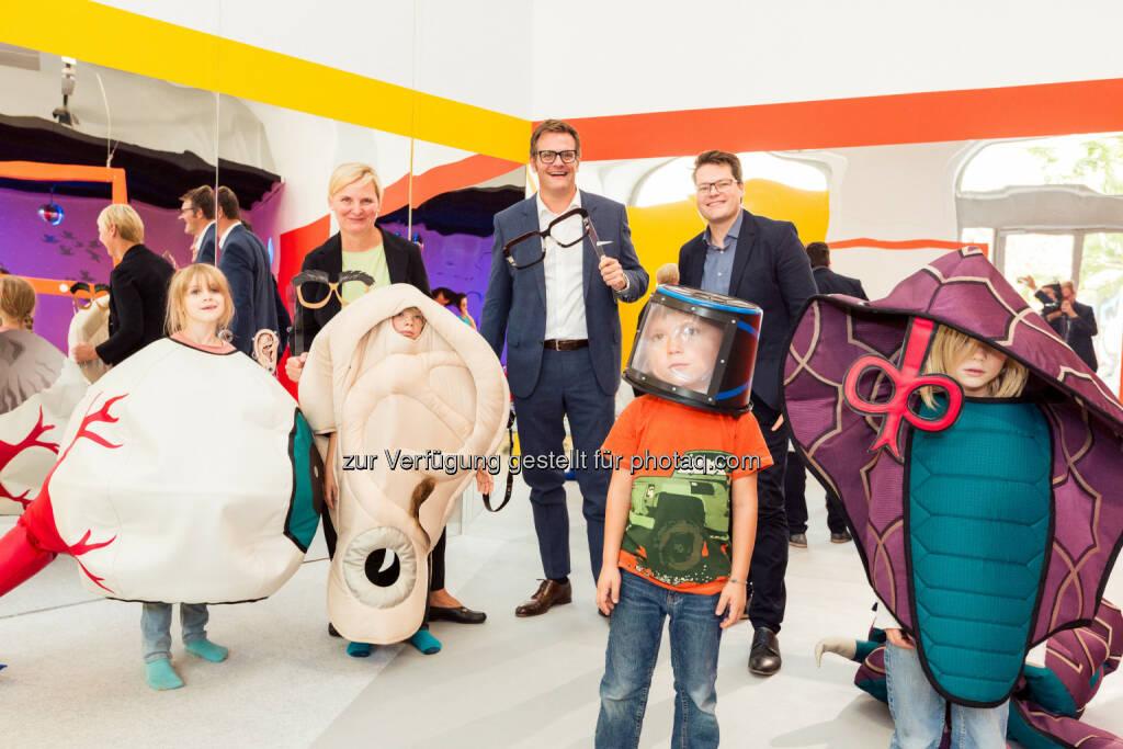 Robert F. Hartlauer im Kindermuseum ZOOM : 45 Jahre Hartlauer müssen gefeiert werden -  Ausstellung im ZOOM Kindermuseum : Fotocredit: Hartlauer HandelsgesmbH/Fritz, © Aussendung (29.09.2016)