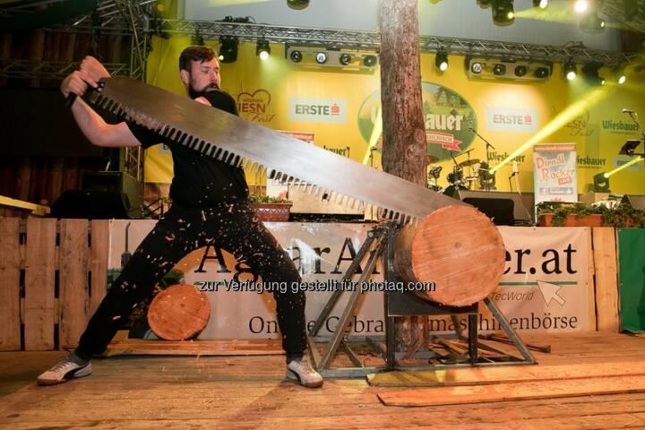 Josef Laier (Vizemeister der diesjährigen Stihl Timbersports Series) : Stihl Timbersports® eröffnete die Nacht der Landwirtschaft im Rahmen der Wiener Wiesn : Fotocredit: Harald Klemm