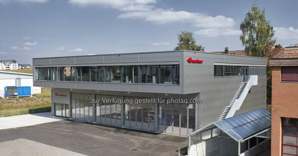 Rosenbauer Schweiz AG : Zum 40 jährigen Jubiläum eröffnet Rosenbauer Schweiz AG einen Neubau in Oberglatt : Fotocredit: Rosenbauer International/Ralph Bensberg, © Aussendung (30.09.2016)